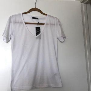 Boohoo white v neck t shirt
